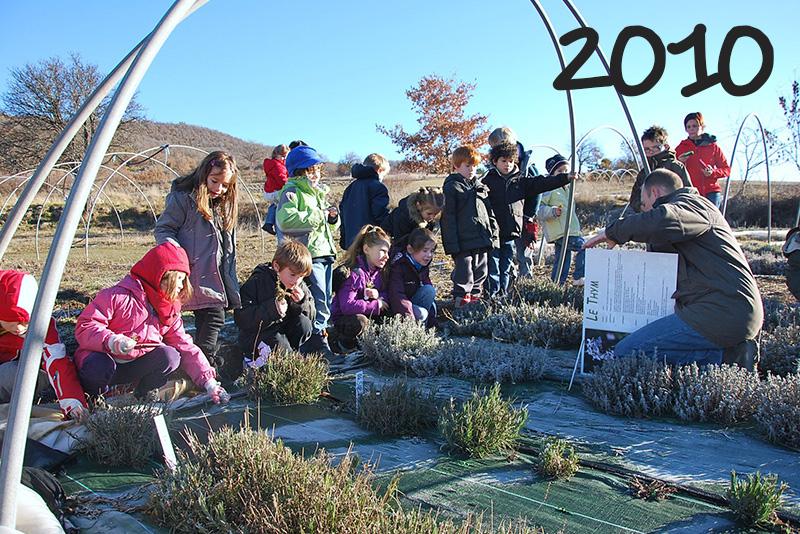 2010 - visite de la ferme Ardema de Mévouillon avec l'école de Séderon